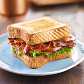 BLT bacon lettuce tomato sandwich — Stock Photo