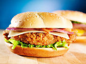 Crispy chicken sandwich with bacon — ストック写真