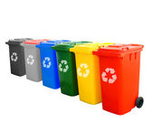 Colorful Recycle Bins Isolated With Recycle Sign — Stock Photo