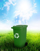 Green Recycle Bin — Stockfoto