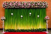 Backdrop flowers for wedding ceremony — Stock Photo