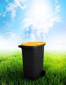 Black And Yellow Recycle Bin — Stock Photo