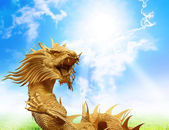 Chinese dragons statue with clipping path. — Stock Photo