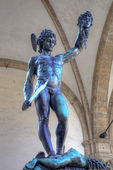 Statue of Perseus slaying Medusa - Loggia del Lanzi (Piazza della Signoria, Firenze, Italia) — Stockfoto
