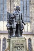 Monument for Johann Sebastian Bach in front of the Thomas Church (Thomaskirche). Leipzig, Germany — Stock Photo