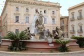 Fountain of Artemide, Ortigia in Siracusa. Sicily, Italy — Stock Photo