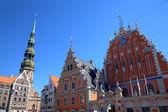 House of the Blackheads and St. Peter's Church. Riga, Latvia — Stock Photo