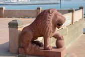 Lion statue. Swami Vivekananda memorial. Kanyakumari, Tamilnadu, India. — Stock Photo