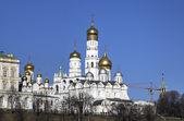 храмы московского кремля. россия. — Стоковое фото