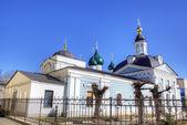 De kerk van de hemelvaart van christus en presentatie kerk. yaroslavl, rusland — Stockfoto
