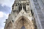 Notre-Dame de Reims Cathedral. Decoration elements. Reims, France — Stock Photo