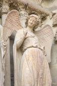 Smiling angel. Notre-Dame de Reims Cathedral. Reims, France — Photo