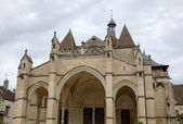 Collegiale church Notre-Dame de Beaune. Beaune, France — Stock Photo