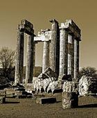 Sepia Temple of Zeus in the ancient Nemea — Stock Photo