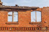 Antiguo edificio, abandonado y olvidado — Foto de Stock