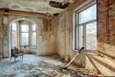 Beautiful, forgotten and destroyed house — Stock Photo