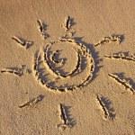 The sun on the sand beach — Stock Photo