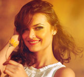 Beauty Sunshine Girl Portrait. — Stock Photo