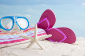 Snorkel mask and beach accessories — Stock Photo