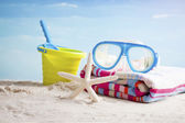 Snorkel mask and beach accessories — Stockfoto