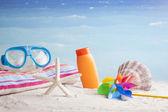 スノーケル マスクとビーチ アクセサリー — ストック写真