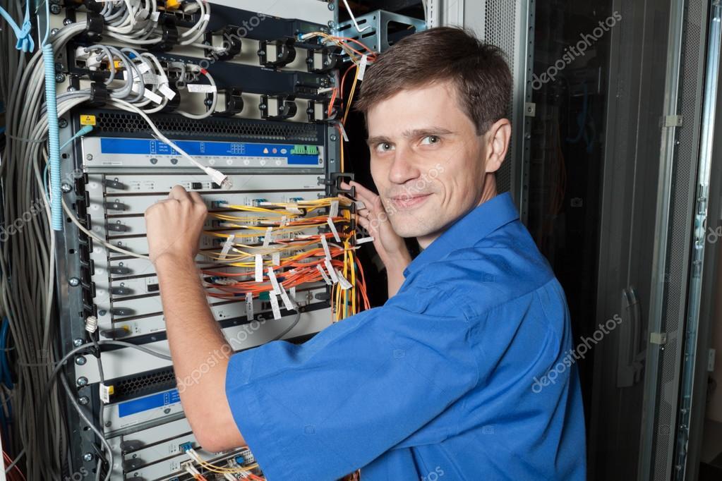 старший инженер электроник должностная инструкция
