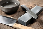 Sharpening the knife — Stock Photo