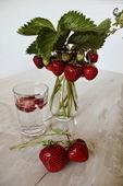 Cocktail med jordgubbar — Stockfoto