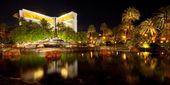 Pond near The Mirage in Las Vegas — Stock Photo