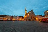 Night Tallinn Town Hall Square — Stock Photo