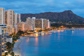 Honolulu city and Waikiki Beach at night — Stock Photo