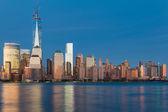Night view of Manhattan from Hudson river — Stock Photo