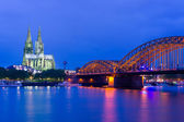 Cathedral in Cologne at night — Stock Photo
