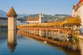 Chapel Bridge in Luzern at sunrise — Stock Photo