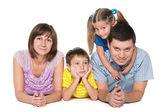 детей с их родителями — Стоковое фото