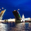 Palace bridge raising,  St.Petersburg — Stock Photo