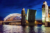 Open bridge raising, St.Petersburg — Stock Photo