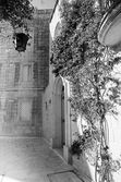 Mdina courtyard, black and white — Stock Photo