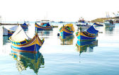 Bateaux de pêche colorés, malte — Photo