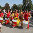 MARSEILLE, FRANCE - AUGUST: Girls playing drum. Marseille Festiv — Stock Photo