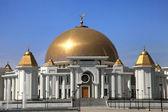 Moschee in Kiptschak. Mausoleum, in dem der frühere Präsident der t — Stockfoto