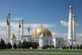 Mosque in native village of first president of Turkmenistan Niya — Stock Photo