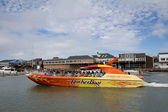 Rocket Boat with people near pier 39 in San Frabcisco, CA — Stock Photo
