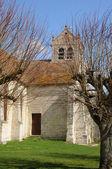 フランス、ワイオミング州 dit ジョリ村の古い教会 — ストック写真
