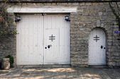 France, an old door in les Yvelines — Stock Photo