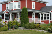 Quebec, an old house in the village of Kamouraska — Stock Photo