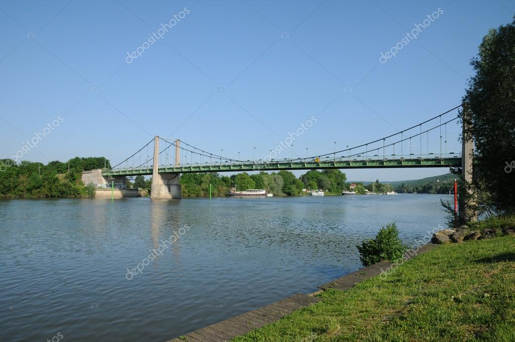Ile de France, suspension bridge of Triel Sur Seine — Foto Stock #18235361