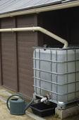 Frankrijk, regenwater tank in een tuin in les mureaux — Stockfoto