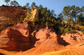 Luberon, the Ochre Footpath in Roussillon — Stock Photo