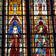 Stained glass window in the collegiate church of Mantes La Jolie — Stockfoto